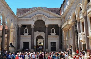 驚きの古代ローマ遺跡を誇るスプリット!