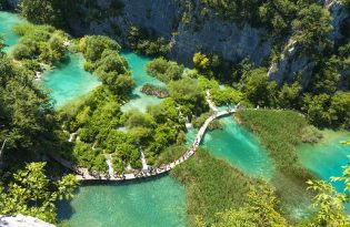 Plitvice lakes National park day tour