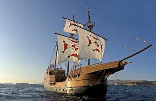 【ドブロヴニク発】16世紀の木造船でのサンセットクルーズ