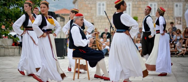 Dubrovnik traditional dance performance (1)